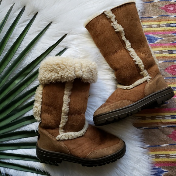 5f94fadece2 Ugg Sundance II Womens Sheerling lined boots Sz 5